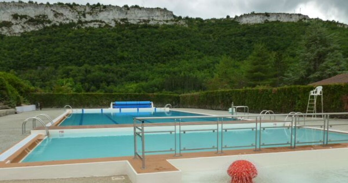 Piscine st antonin noble val horaires tarifs et t l phone for Piscine st meen le grand