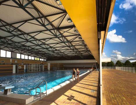 "La piscine de St Romain de Colbosc<span class=""normal italic petit"">© Vincent Rustuel</span>"