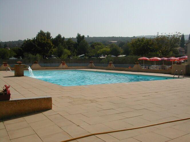 La piscine de Villes sur Auzon