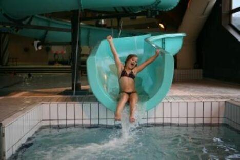 """La piscine du centre aquatique à Villard de Lans possède un toboggan<span class=""""normal italic petit"""">© Stéphanie Charles</span>"""
