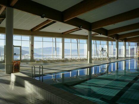 """La piscine du centre nautique du Val de Morteau à Les Fins<span class=""""normal italic petit"""">DR</span>"""