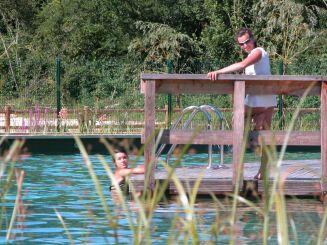La piscine du Parc-en-ciel à Lacapelle-Biron est une piscine biologique de plein air.