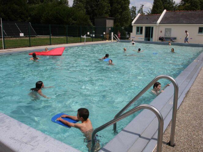 La piscine du Pont d'Oust à Peillac