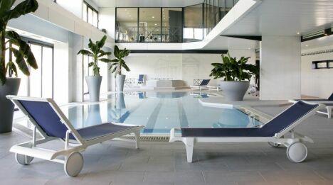"""La piscine du spa de l'hôtel Vatel à Nîmes<span class=""""normal italic petit"""">DR</span>"""