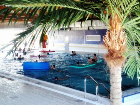 Petits et grands s'amusent à la piscine du Val de Besbre de Dompierre sur Besbre