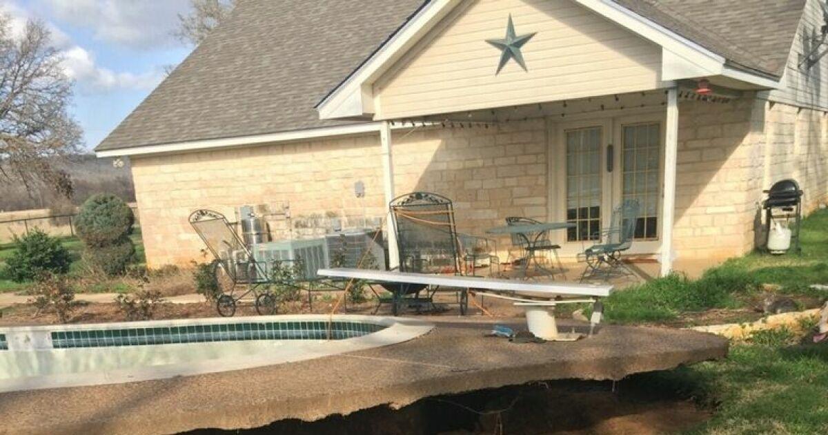 Une piscine enterr e se transforme accidentellement en for Construction piscine enterree