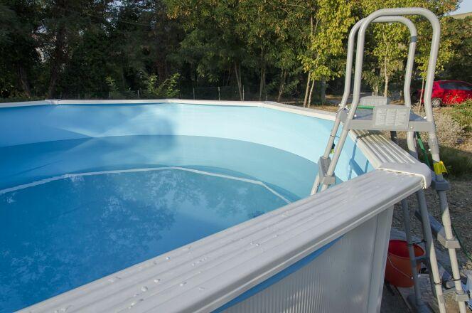 La piscine hors sol en kit : pratique et pas chère