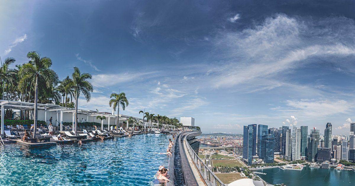 Les plus belles piscines sur toit dans le monde la for Singapour marina bay sands piscine