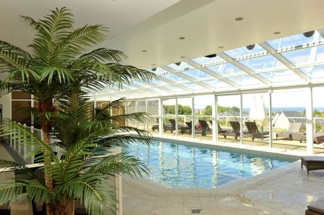 """La piscine intérieure du Deep Nature Spa à Houlgate<span class=""""normal italic petit"""">DR</span>"""