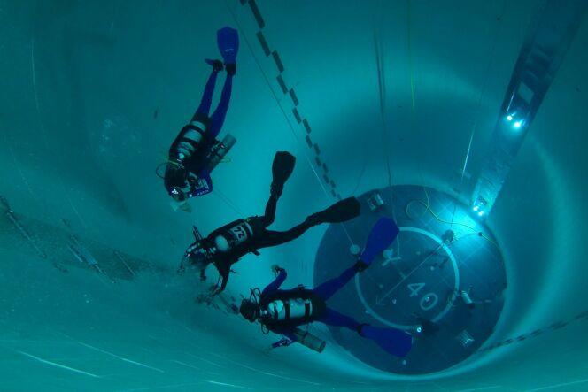 "La piscine la plus profonde du monde !<span class=""normal italic petit"">© Y-40 - The Deep Joy</span>"
