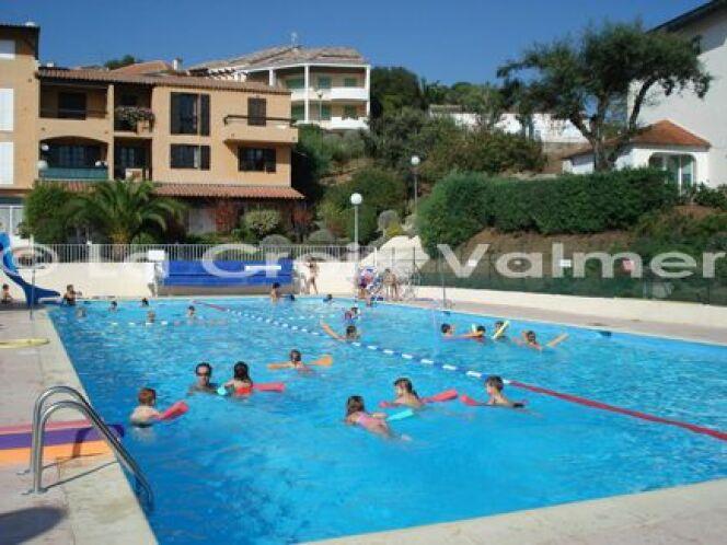 La piscine municipale de plein air à La Croix Valmer