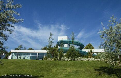 """La piscine Nautil'ys au Crozon<span class=""""normal italic petit"""">© Editions Buissonnières</span>"""