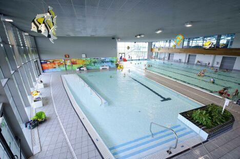 """La piscine olympique de Dijon possède plusieurs bassins.<span class=""""normal italic petit"""">© Vincent Collin</span>"""