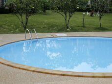La piscine ovale