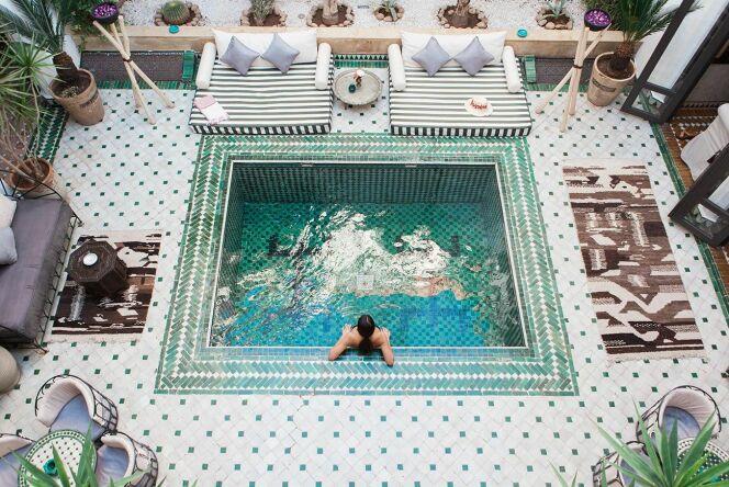 "La piscine qui prend Instagram d'assaut<span class=""normal italic petit"">© Riad Yasmine Marrakech</span>"