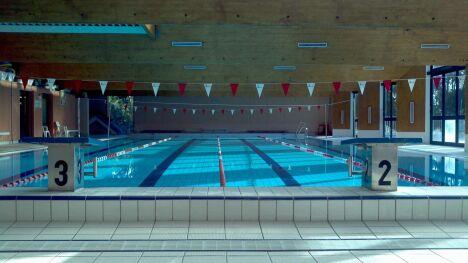 """La piscine  Saint-Tropez<span class=""""normal italic petit"""">DR</span>"""