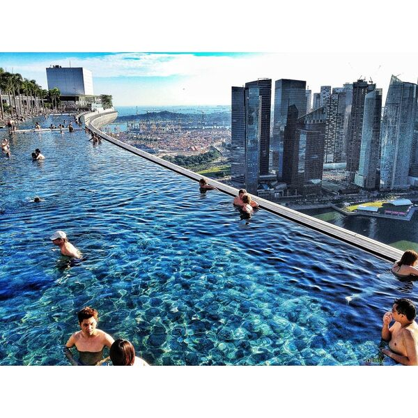 Les piscines suspendues for Singapour marina bay sands piscine