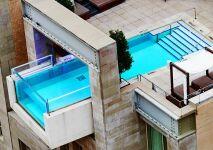 Nagez au-dessus de Dallas dans cette piscine vertigineuse