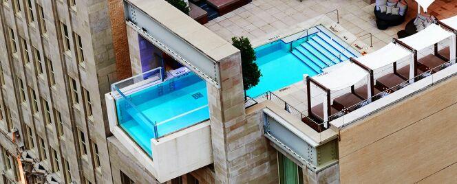 """La piscine vertigineuse du Joule Hotel à Dallas<span class=""""normal italic petit"""">© Pinterest</span>"""