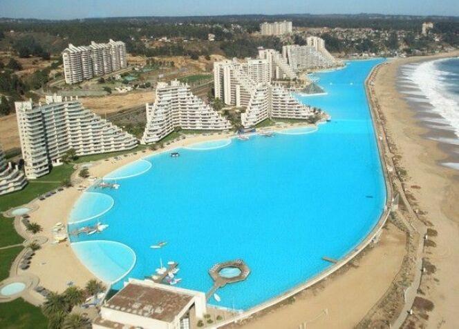 La plus grande piscine du monde.