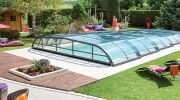 La pose d'un abri de piscine à 1 € avec Abri de Piscine Rideau !