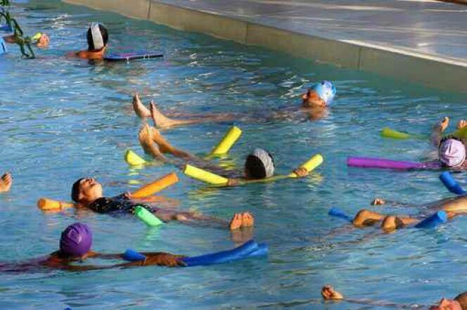 La pratique de l aquagym pour les personnes en surpoids for Piscine blomet aquagym