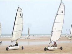 La pratique du char à voile sur la plage