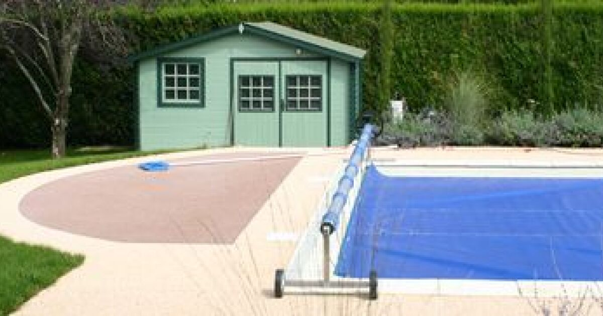 La protection de votre piscine s curit et propret for Bache piscine securite