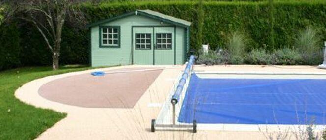 """La protection de votre piscine : sécurité et propreté<span class=""""normal italic petit"""">© Fotolia</span>"""
