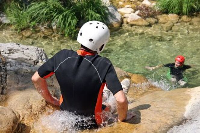 """La randonnée aquatique ou aqua-rando<span class=""""normal italic petit"""">© benuch - Fotolia.com</span>"""