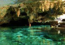 Insolite : nagez dans une rivière souterraine !