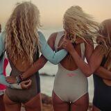 Les photos des combinaisons de surf femme pour l'été 2013