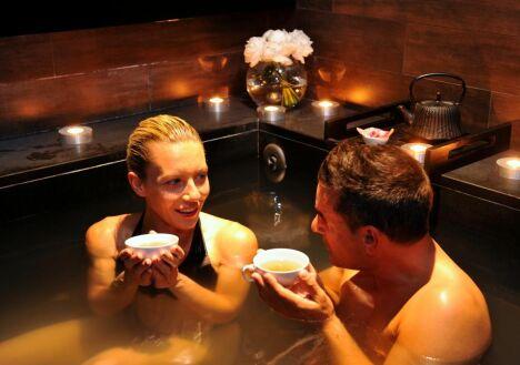 """La thalasso des Thermes Marins à Cannes possède un véritable bain japonais.<span class=""""normal italic petit"""">DR</span>"""