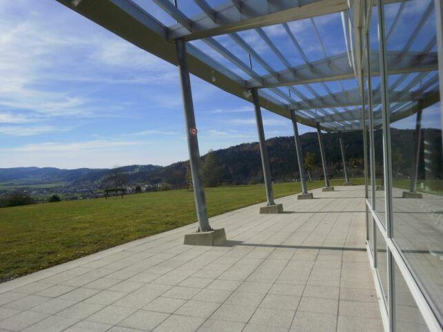 La vue du Centre Nautique du Val de Morteau à Les Fins