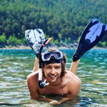 Article les palmes pour nager plus vite et se muscler - Nager en piscine avec des palmes ...