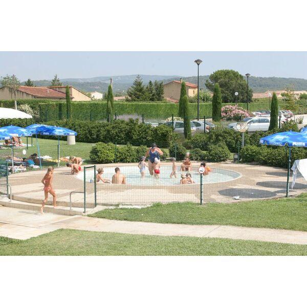 exceptionnel La pataugeoire de la piscine à Pernes les Fontaines ...