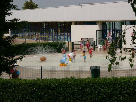 La pataugeoire de la piscine à Rillieux La Pape