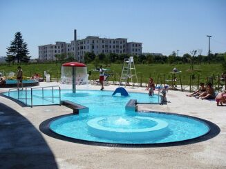 La pataugeoire de la piscine Lilo à St Maurice de Beynost