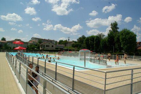 """La piscine communautaire de Craponne sur Arzon<span class=""""normal italic petit"""">DR</span>"""