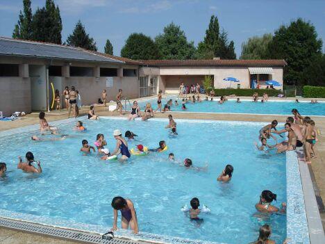La piscine d'été de Charlieu