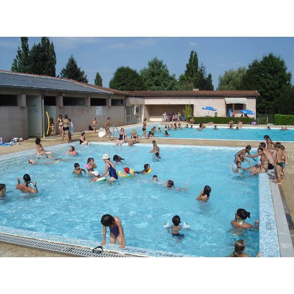 Piscine de charlieu horaires tarifs et photos guide for Piscine tarif