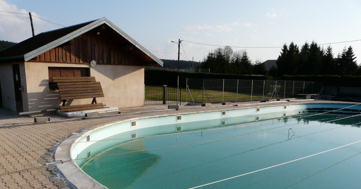 Piscine de levier horaires tarifs et t l phone for Piscine de grand champ