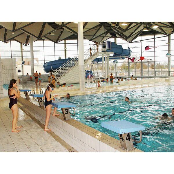 Piscine centre aquatique des fraignes chauray for Piscine de salles horaires