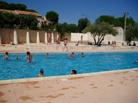 """La piscine de Creissan possède un bassin de natation de 25 m découvert.<span class=""""normal italic petit"""">DR</span>"""