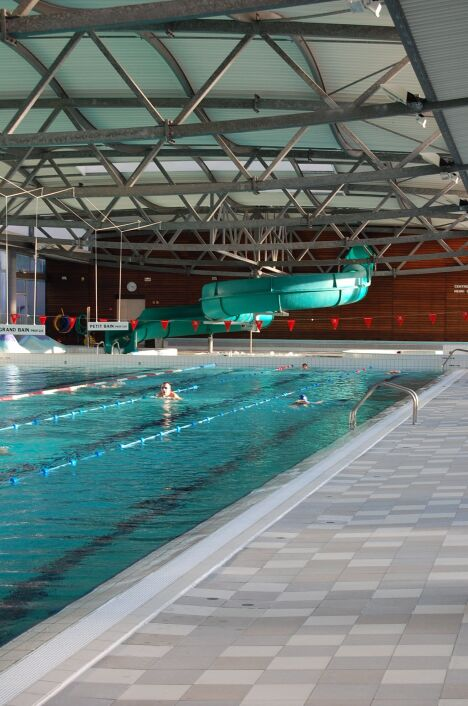 """La piscine de hagetmau propose des lignes de nage<span class=""""normal italic"""">© Jean-Louis TASTET - photographe</span>"""
