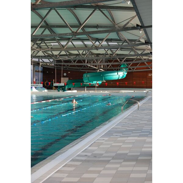 Toboggan piscine adulte trendy jeux de piscine toboggan for Piscine de la conterie