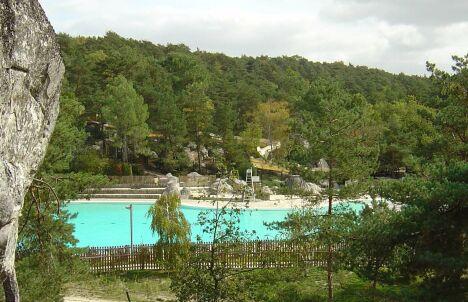 """La piscine de la base de loisirs de Buthiers<span class=""""normal italic petit"""">© base de loisirs de Buthiers</span>"""