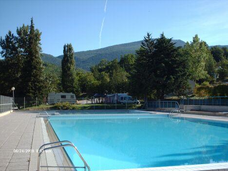 """La piscine de Montbrun les Bains<span class=""""normal italic petit"""">© ville de Montbrun les Bains</span>"""
