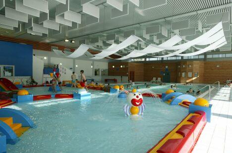 """La piscine de Moulins propose des installations pour les enfants<span class=""""normal italic"""">DR</span>"""