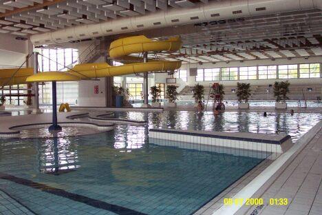"La piscine de Redon possède un toboggan aquatique.<span class=""normal italic"">© Communauté de Communes du Pays de Redon</span>"